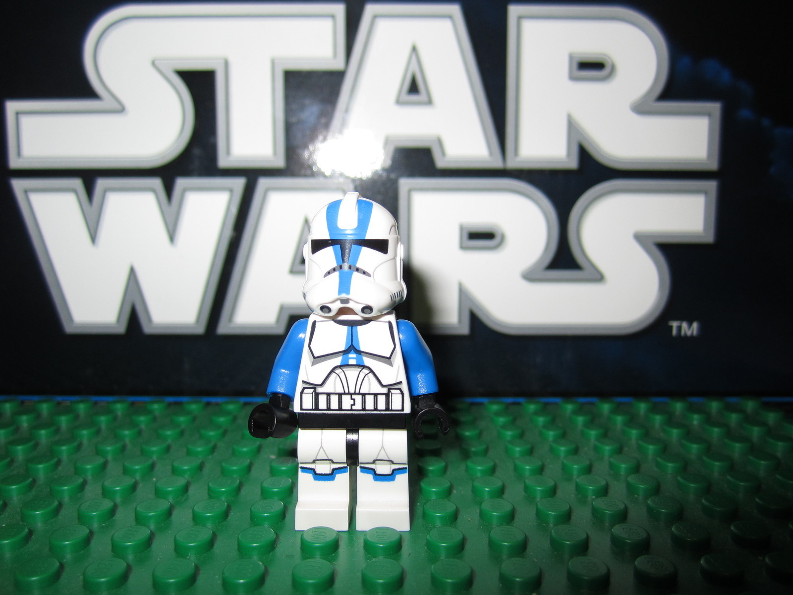 lego star wars 501st clone trooper and ahsoka tano minfigures on