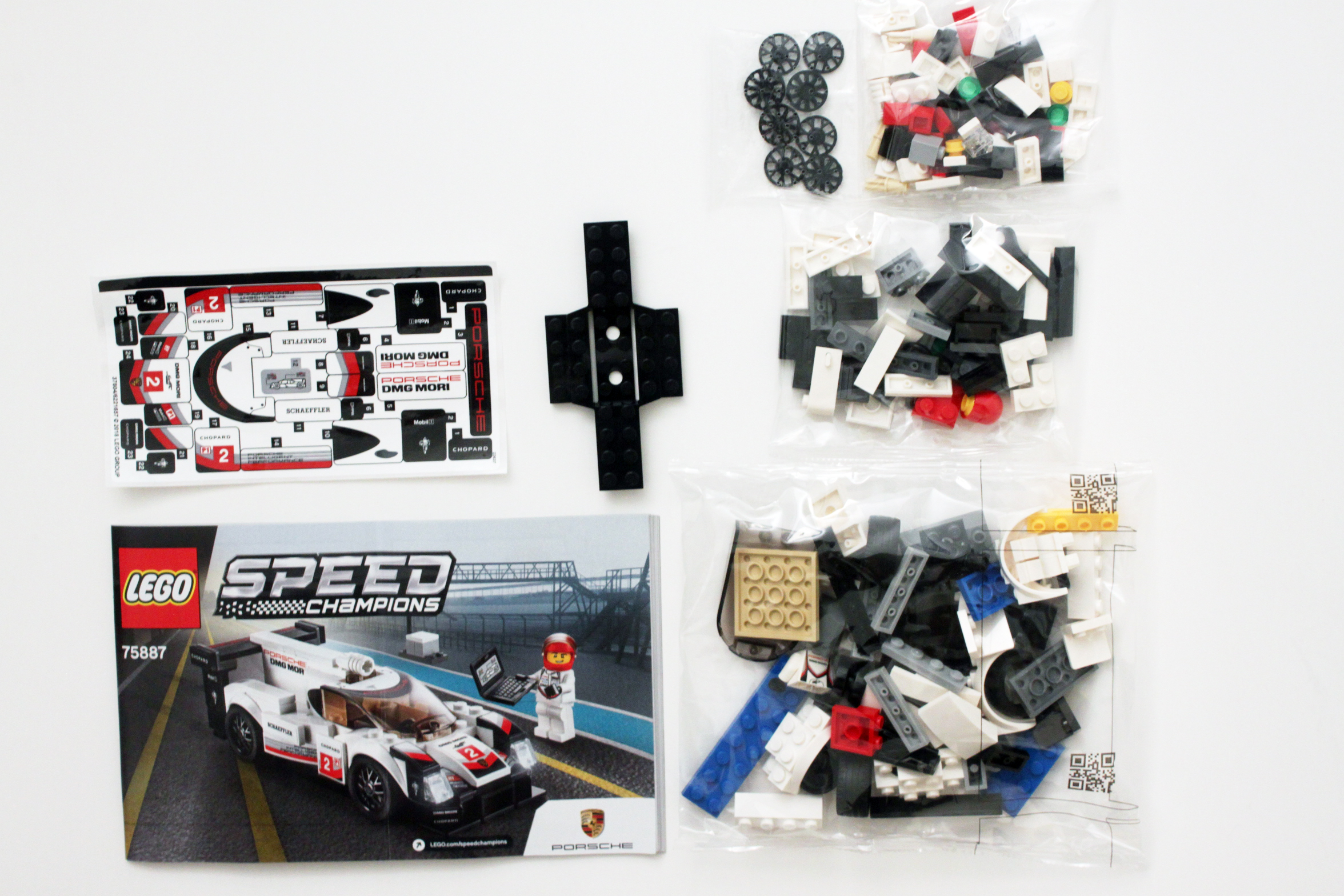 lego speed champions porsche 919 hybrid 75887 review the brick fan. Black Bedroom Furniture Sets. Home Design Ideas