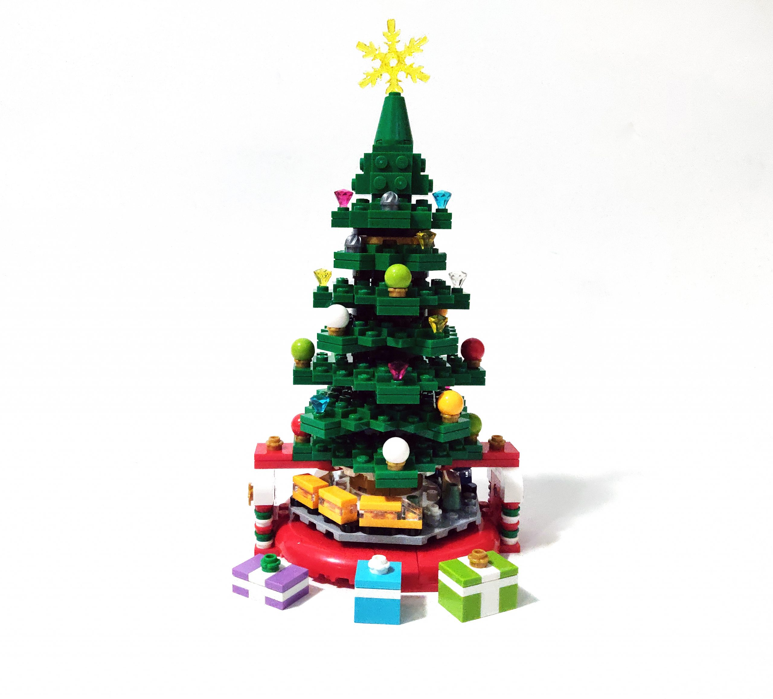LEGO Seasonal Christmas Tree (40338) Review